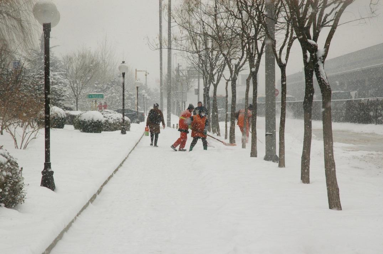 snowfall-15980_1920.jpg
